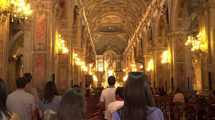 Missa na Catedral Metropolitana de Santiago do Chile